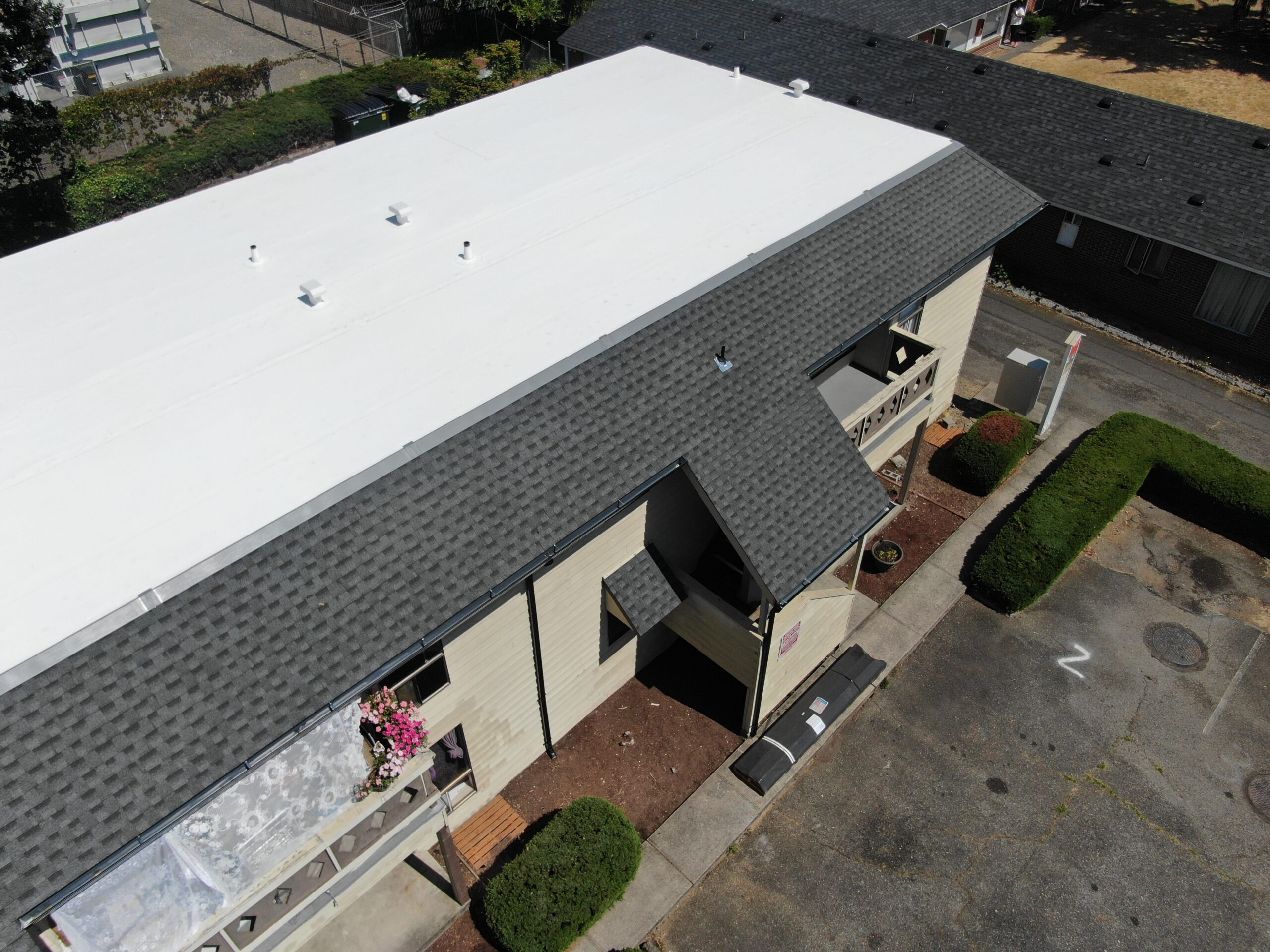 flat roof pros reroofing and repairing flat roofs